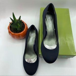 Mootsies Tootsies navy blue round toe heels 8